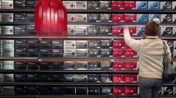 Dick's Sporting Goods TV Spot, 'Holidays: Fleece, Hydro Flasks, Yeti, Golf Balls and Gift Cards' - Thumbnail 6