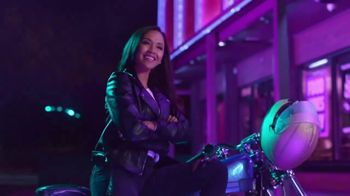 Jack in the Box Sauced & Loaded Tots TV Spot, 'The Late Night Vibe' - Thumbnail 3