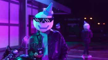 Jack in the Box Sauced & Loaded Tots TV Spot, 'The Late Night Vibe' - Thumbnail 4