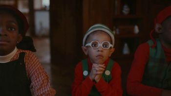XFINITY TV Spot, 'Holiday: Elves' Bedtime Story: Save Up to $400' - Thumbnail 4