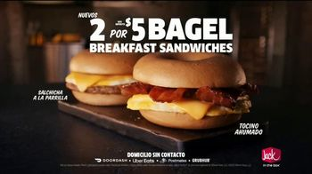 Jack in the Box Bagel Breakfast Sandwiches TV Spot, 'Representante' [Spanish] - Thumbnail 7