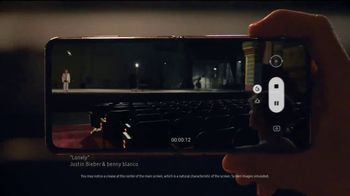 Samsung Mobile TV Spot, 'Holidays: Stay Connected'  Feauturing Benny Blanco, Song by Justin Bieber, Benny Blanco - Thumbnail 2