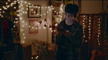 Samsung Mobile TV Spot, 'Holidays: Stay Connected'  Feauturing Benny Blanco, Song by Justin Bieber, Benny Blanco - Thumbnail 7