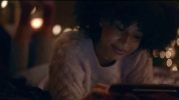 Samsung Mobile TV Spot, 'Holidays: Stay Connected'  Feauturing Benny Blanco, Song by Justin Bieber, Benny Blanco - Thumbnail 8