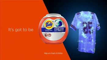 Tide Hygienic Clean TV Spot, 'Clean Jersey Swap' Featuring Peyton Manning - Thumbnail 8