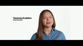 Verizon TV Spot, 'Fiestas: ahorra $500 dólares, Disney+ y PlayStation' [Spanish] - Thumbnail 6