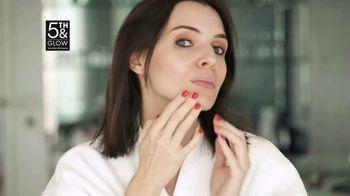 5th & Glow TV Spot, 'Love the Mirror Again' - Thumbnail 3