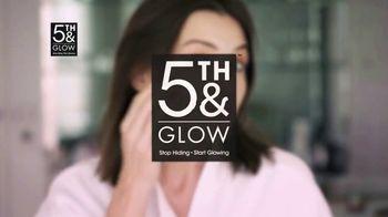 5th & Glow TV Spot, 'Love the Mirror Again' - Thumbnail 4