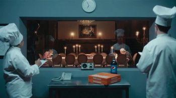 Little Caesars Pepperoni Cheeser! Cheeser! TV Spot, 'Tastes Like a Million Bucks: Delivery' - Thumbnail 7