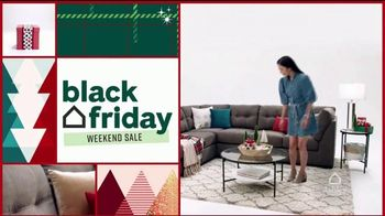 Ashley HomeStore Black Friday Weekend Sale TV Spot, 'Continued Doorbusters: Queen Bed and Sofa' - Thumbnail 2