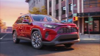 Toyota RAV4 TV Spot, 'El viaje' canción de Stacy Walker [Spanish] [T2] - Thumbnail 3