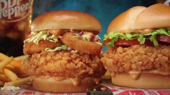 Jack in the Box Crafty Cluck Sandwich Combo TV Spot, 'Introducing' Song by Becky G - Thumbnail 6