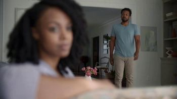 Snickers Peanut Brownie Squares TV Spot, 'Relationship Problems' - Thumbnail 1