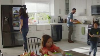 The Home Depot TV Spot, 'New Year, New Appliances: Samsung Washer and Dryer' - Thumbnail 8