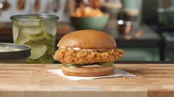 Popeyes Chicken Sandwich TV Spot, '@LadyT' - Thumbnail 6