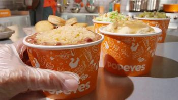 Popeyes Family Bundle TV Spot, 'Perfect Family Meal' - Thumbnail 4