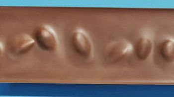 Hershey's Milk Chocolate With Whole Almonds TV Spot, 'Delightful Bumps' - Thumbnail 6