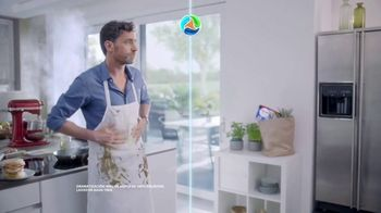 Persil ProClean + OXI TV Spot, 'Descubre una limpieza profunda' con Peter Hermann [Spanish] - Thumbnail 4
