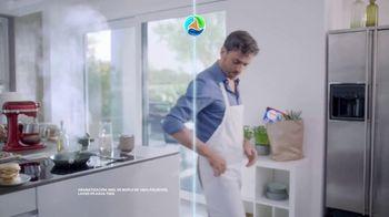 Persil ProClean + OXI TV Spot, 'Descubre una limpieza profunda' con Peter Hermann [Spanish] - Thumbnail 5
