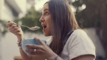 Almond Breeze Almondmilk TV Spot, 'Irresistibly Delicious' - Thumbnail 5