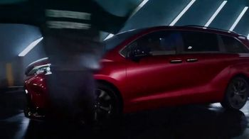 2021 Toyota Sienna TV Spot, 'Lucky' [T1] - Thumbnail 7