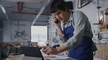 Comcast Business TV Spot, 'Resolutions: Internet + 1 Voice Line for $64.90 a Month, $500 Prepaid' - Thumbnail 7