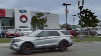 Ford El Evento Hecho para las Fiestas TV Spot, 'Dejar atrás' [Spanish] [T2] - Thumbnail 3