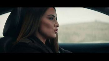 Nissan TV Spot, 'Hollywood: Sentra' [Spanish] [T2] - Thumbnail 2
