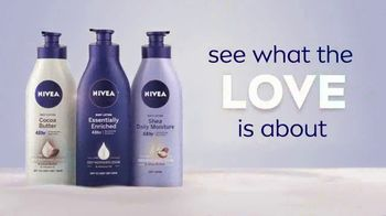 Nivea Essentially Enriched Body Lotion TV Spot, 'They Love It' - Thumbnail 10