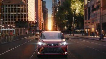 2021 Toyota Sienna TV Spot, 'Bold' [T1] - Thumbnail 10