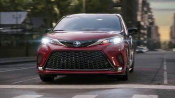2021 Toyota Sienna TV Spot, 'Bold' [T1] - Thumbnail 4