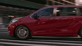 2021 Toyota Sienna TV Spot, 'Bold' [T1] - Thumbnail 5