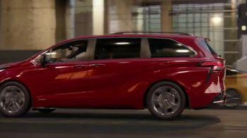 2021 Toyota Sienna TV Spot, 'Bold' [T1] - Thumbnail 6