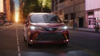 2021 Toyota Sienna TV Spot, 'Bold' [T1] - Thumbnail 9