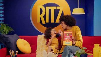 Ritz Crackers Cheese Crispers TV Spot, 'Sofá' con Sofia Vergara [Spanish] - 1169 commercial airings