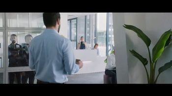 Heineken 0.0 TV Spot, 'Now You Can: Lunch at the Office' - Thumbnail 6