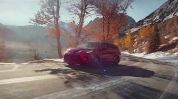 2021 Toyota Sienna TV Spot, 'Lakeside' [T1] - Thumbnail 2