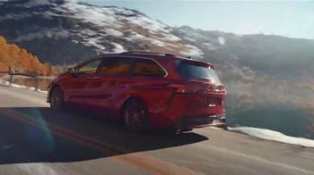 2021 Toyota Sienna TV Spot, 'Lakeside' [T1] - Thumbnail 3