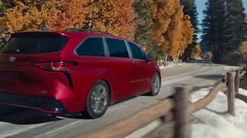2021 Toyota Sienna TV Spot, 'Lakeside' [T1] - Thumbnail 4