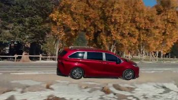 2021 Toyota Sienna TV Spot, 'Lakeside' [T1] - Thumbnail 5