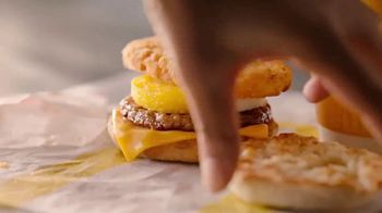 McDonald's Sausage McMuffin With Egg TV Spot, 'Hay gente' [Spanish] - Thumbnail 5
