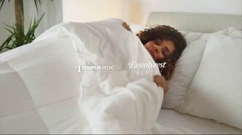 Ashley HomeStore New Years Mattress Sale TV Spot, 'Extended: 0% Interest and $300 Ashley Cash' - Thumbnail 4