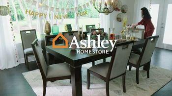 Ashley HomeStore New Years Sale TV Spot, '25% de descuento y 0% intereses: mesa y escritorio' [Spanish] - Thumbnail 1