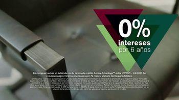 Ashley HomeStore New Years Sale TV Spot, '25% de descuento y 0% intereses: mesa y escritorio' [Spanish] - Thumbnail 6