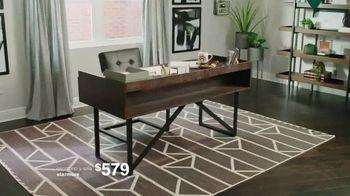 Ashley HomeStore New Years Sale TV Spot, '25% de descuento y 0% intereses: mesa y escritorio' [Spanish] - Thumbnail 7