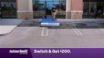 Jackson Hewitt TV Spot, 'Construction Worker: Switch' - Thumbnail 2
