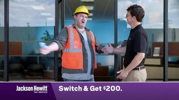 Jackson Hewitt TV Spot, 'Construction Worker: Switch' - Thumbnail 8