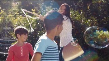 Kinder Joy TV Spot, 'Comer y jugar' canción de Len [Spanish] - Thumbnail 2