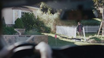 XFINITY Home TV Spot, 'Gary's Tree: Free Installation' - Thumbnail 6