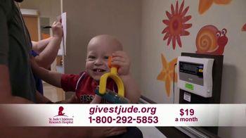 St. Jude Children's Research Hospital TV Spot, 'Hope' Featuring Luis Fonsi - Thumbnail 5
